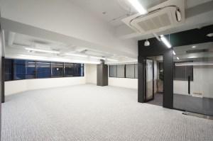 人形町、角地に佇む30坪サイズのリノベオフィス