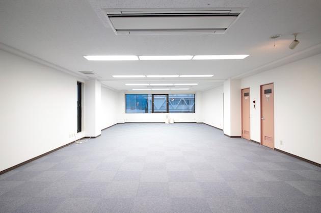 四谷曙橋エリア、1フロア1テナントのシンプル広々オフィス。