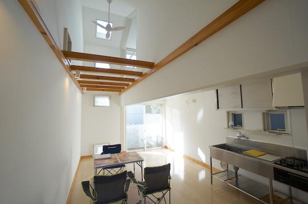 【募集終了】初台、吹抜けと螺旋階段が繋ぐデザイナーズ戸建SOHO