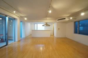 神宮前5丁目、2LDK+DENの低層デザイナーズSOHO<p>[渋谷区/69万/119㎡]
