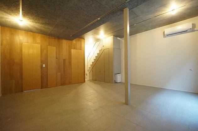 【募集終了】千駄ヶ谷、新築の上質なシンプルメゾネットSOHO