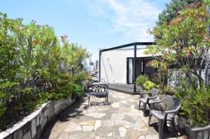 千駄ヶ谷三丁目、贅沢な屋上庭園のペントハウスSOHO<p>[渋谷区/120万/220㎡]