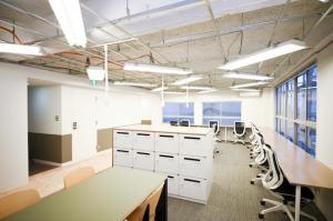 新宿、イベントスペースも使用可能な家具付きリノベオフィス<p>[新宿区/61万/66㎡]
