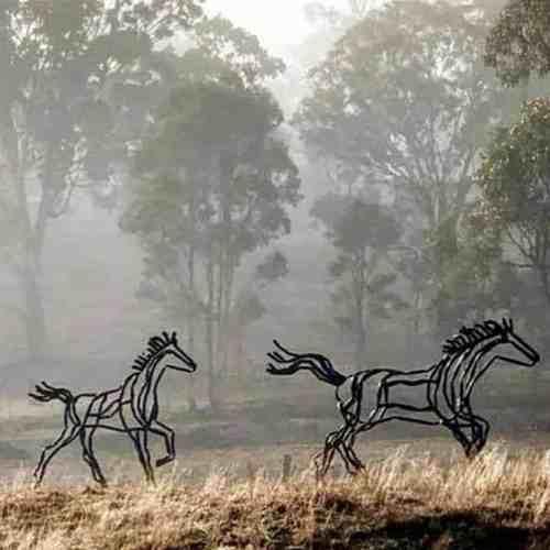Mare-and-Foal-220cm--FABRICATED--MILD-STEEL-OILED-outdoor,landmark-Tobias Benent,-australian-horse-sculpture-large-oversize