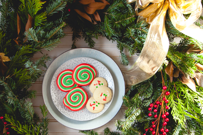 Trobojni spiralni kolači (Pinwheel Cookies) i kako da napravite praznični venac