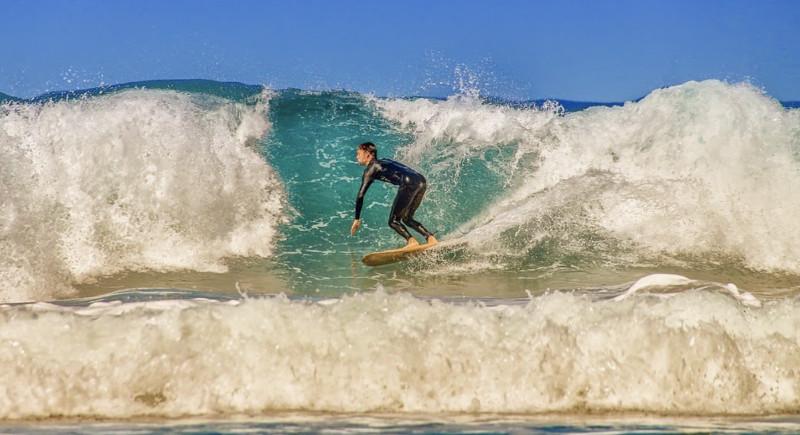 Surfer sur la vague ,