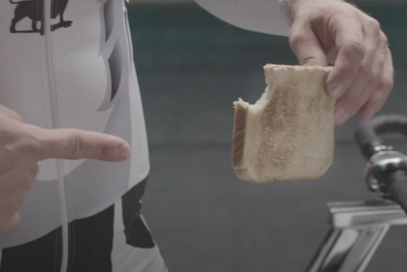 Faire toaster une tranche de pain - puissance à fournir
