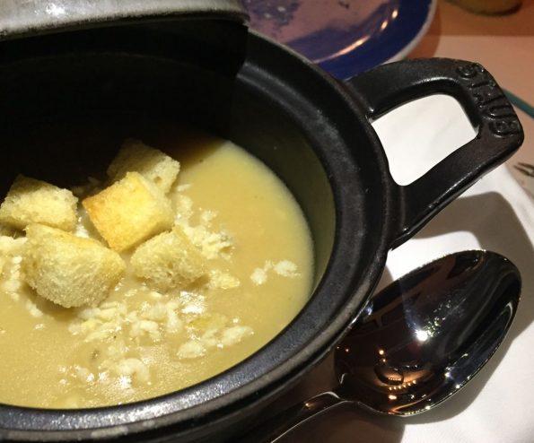 santorini restaurant shangrila doha kakavia soup