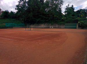Tréninková stěna na tenisových kurtech