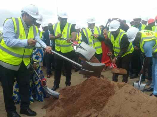 DEPUTY MINISTER CUT SOD FOR THE CONSTRUCTION OF STEEL FACTORY(1D1F)
