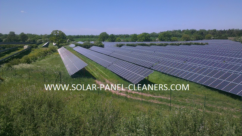 How Will Solar Panel Cleaning Develop In The UK During 2014?
