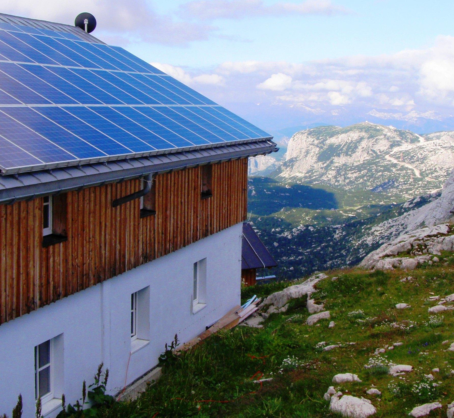Solarstrom Macht Abgelegene Alpenhütte Autark | Solar-Prinz.De