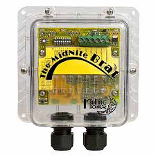 MidNite Solar The BRAT 30A PWM Charge Controller