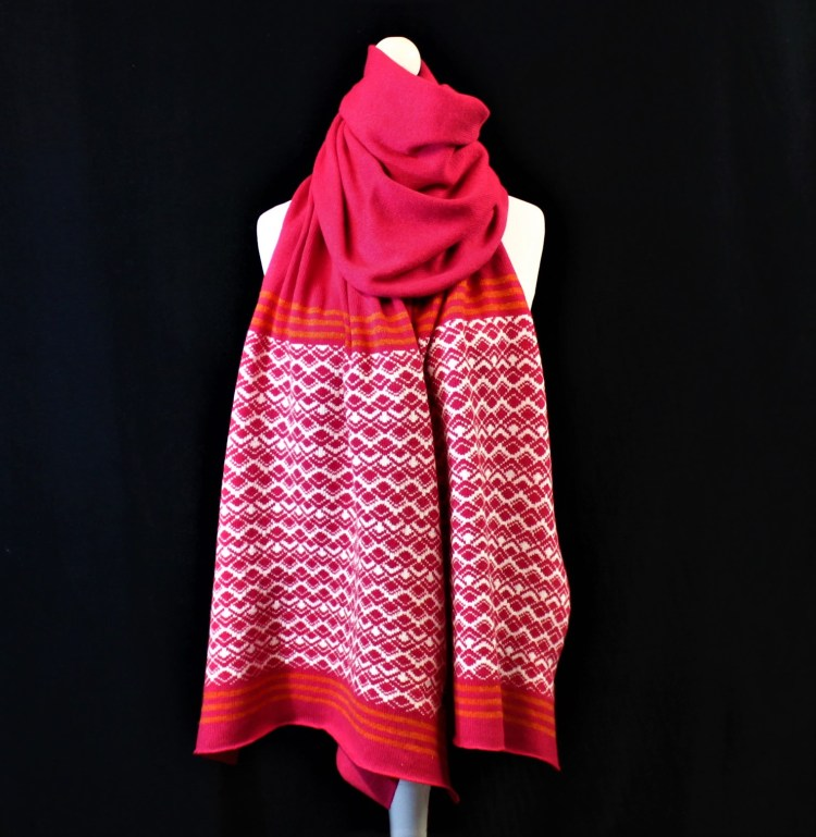 Solasonach Marrakech Lambswool Wrap in Pink and White