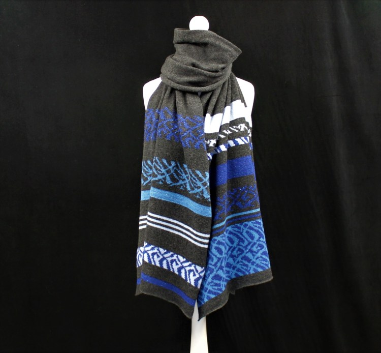 Solasonach Lunan lambswool wrap in Charcoal and blue