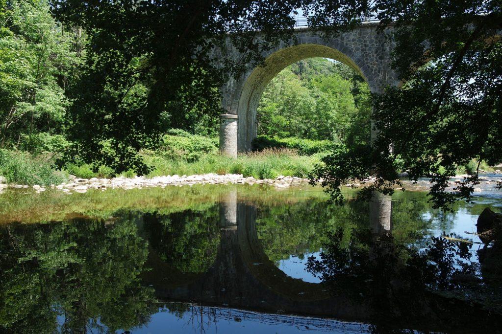 Activités insolites Ardèche pique nique au bord de l'eau