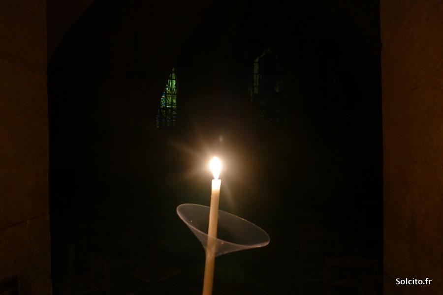 Bougie dans la crypte de Chartres