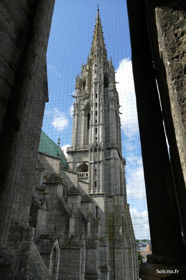 Monter dans la cathédrale de Chartres