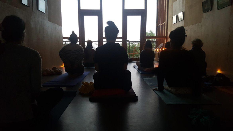 Retraite yoga matinal Auvergne