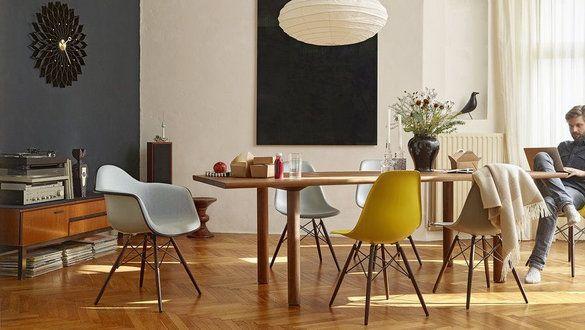Der Eames Plastic Side Chair in echten Wohnungen