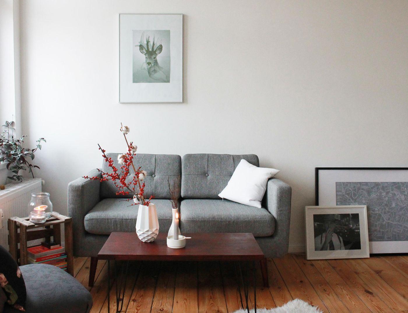Sofa Kleines Wohnzimmer Awesome Eine Couch Bereichert Jedes Ambiente Sie Kommt Im Ebenso Gut