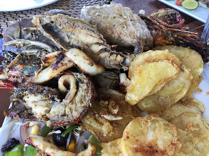 Frittura di pesce al The Rock Zanzibar
