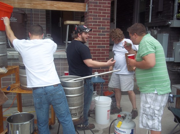 Brewing, drinking and talking beer! What a great hobby!