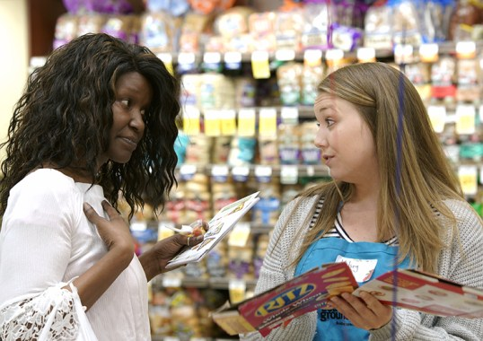Nutrition Ed volunteers at Shop Smart grocery store tour.