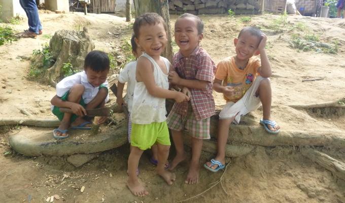 Enfants KACHIN Mynamar