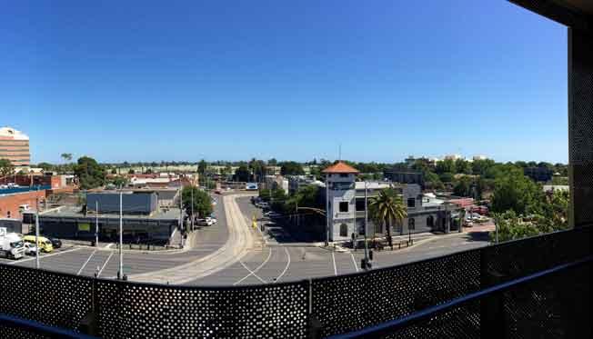 Gascoigne, 879 Dandenond city view