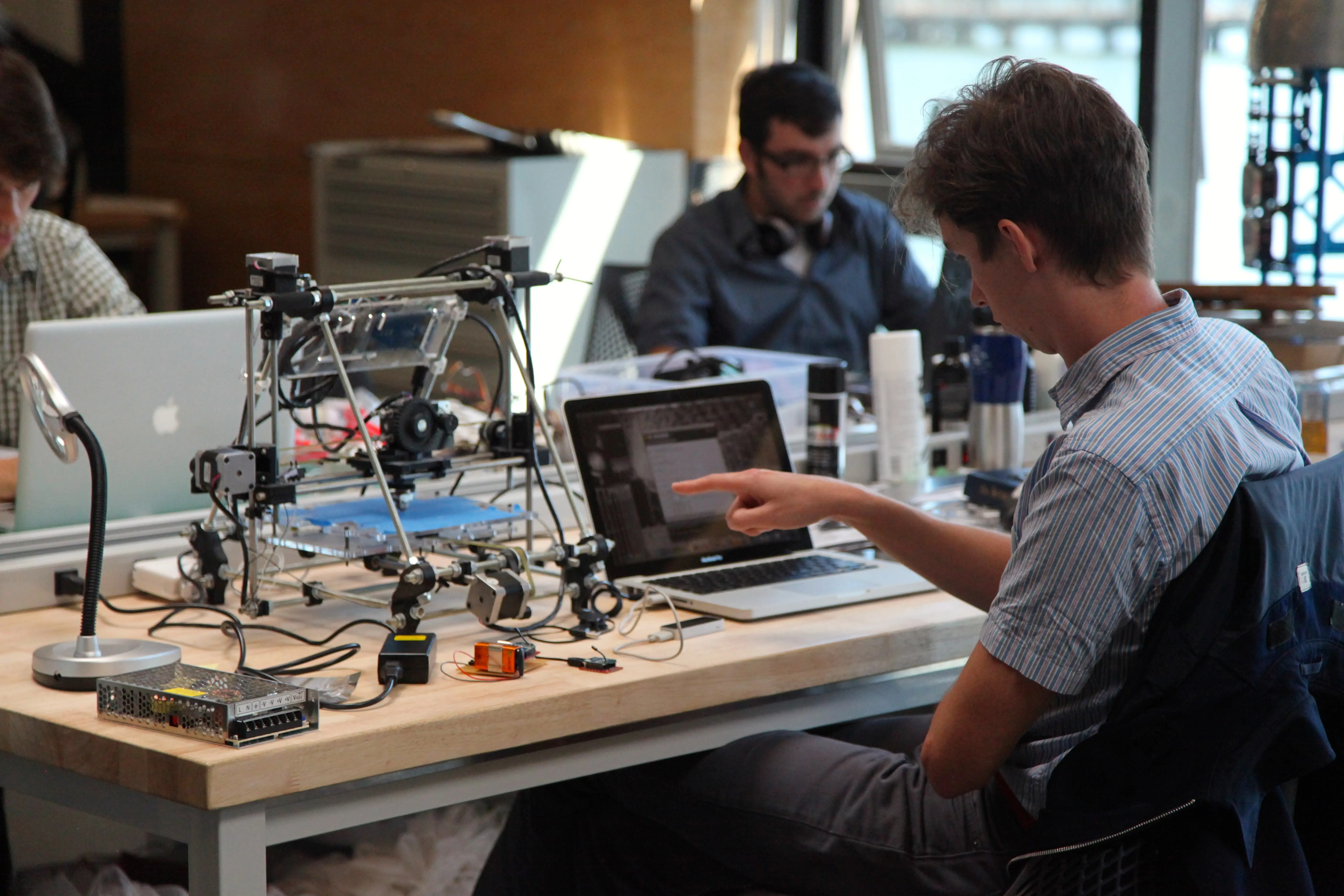 Seed Accelerator Y Combinator Pushes Deeper Into Launching