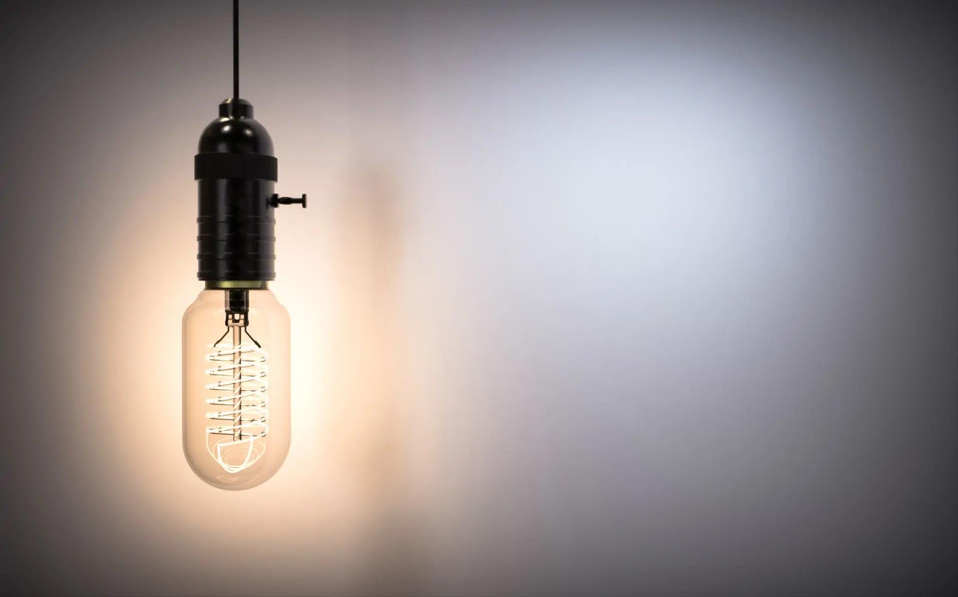 Model of the Week: Vintage Light Bulb Set [Light It Up!] - SolidSmack