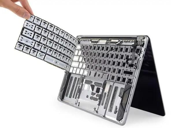 2018 Apple MacBook Pro keyboard
