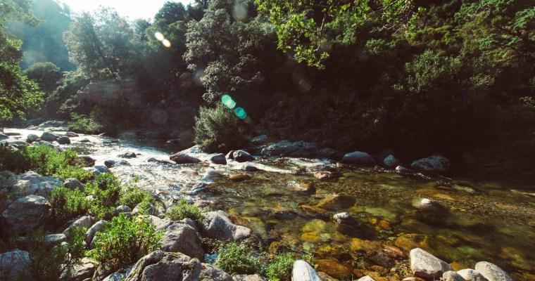 Gorges de la Spelunca: lunch op een riviertje