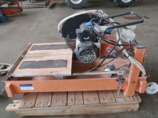 Naschneider  Steinschneidemaschine  58000 EUR GLZ