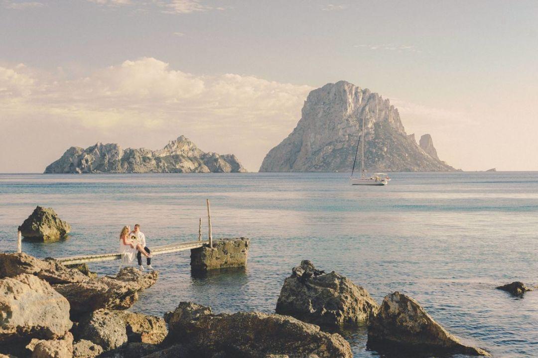 Romantica boda en Es Vedrà, Ibiza