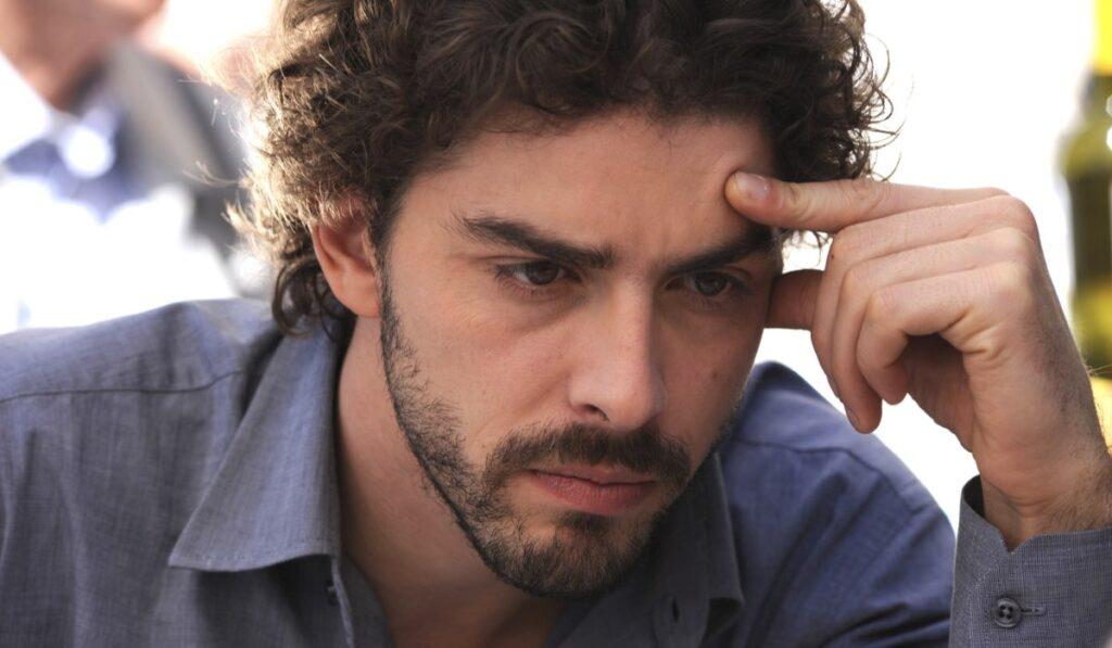 The-young-Montalbano-Michele-Riondino-interprets-Salvo-Montalbano-Credits-Fabrizio-Di-Giulio-Palomar-and-RAI-1024 × 597