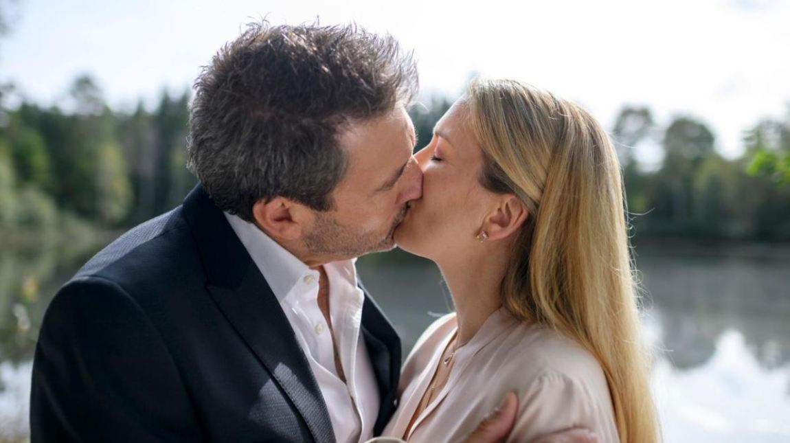 Christoph-and-Selina-kiss-Storm-of-love