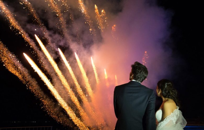 tufano-fireworks-logo-fireworks-pyrotechnics-pyrotechnics-italy-naples-boscoreale-spouses-wedding-wedding-pool-stars-night-fireworks-show