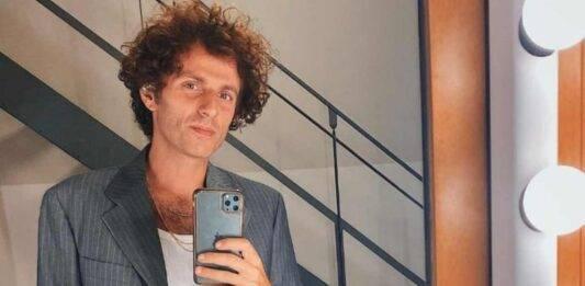 Festival di Sanremo 2021, chi è l'artista in gara Ghemon: scopriamo insieme la sua carriera, qual è il vero nome, e l'inizio della sua musica