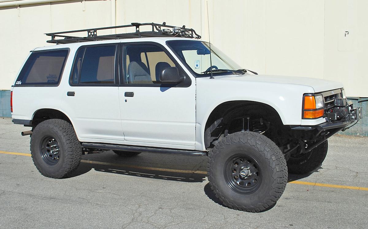 hight resolution of stage 2 ranger explorer mid travel front suspension