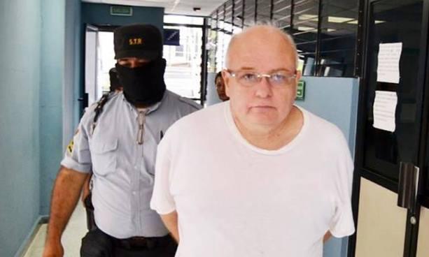 Ordenan que Élmer Charlaix y su esposa devuelvan al Estado $17.9 millones