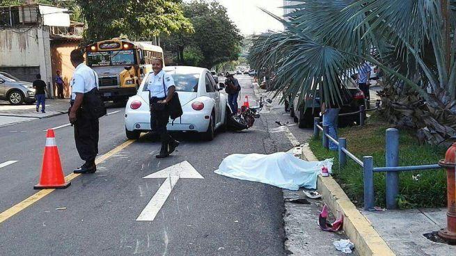 Motociclista muere en accidente de transito en Colonia Escalón