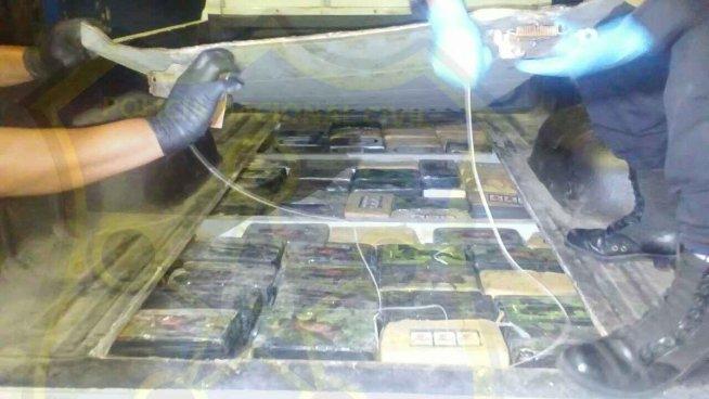 Dos hombres son detenidos con 160 paquetes de Cocaína en La Libertad