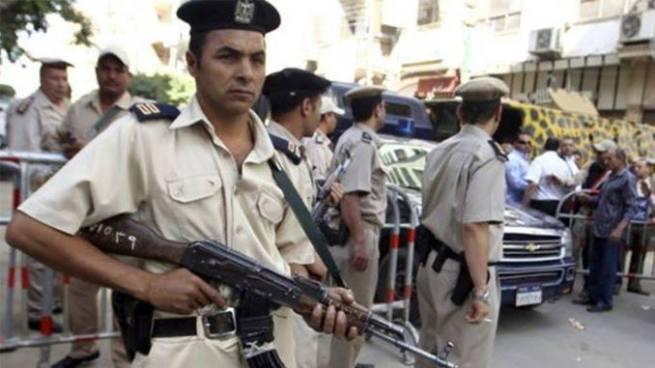 Emboscada del Estado Islámico deja 18 policías muertos en Egipto