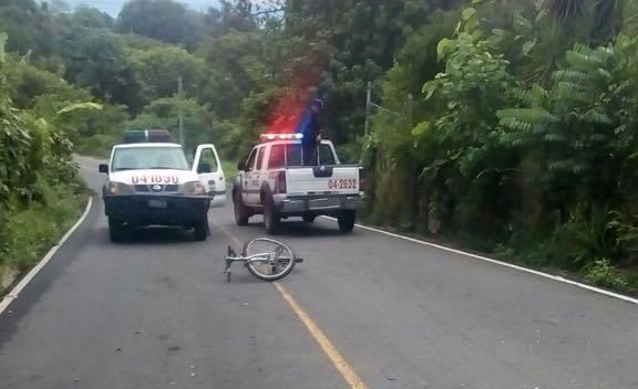 Ciclista muere atropellado en calle al volcán de San Salvador