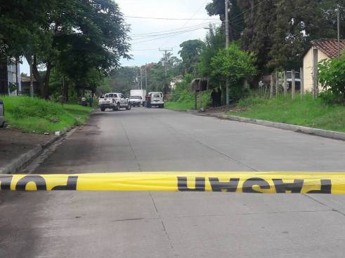 Asesinan a mujer que regresaba de dejar a sus hijos de la escuela en San Miguel