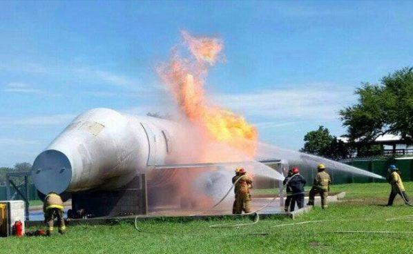 Inauguran en El Salvador campo de entrenamiento y control de incendios de aeronaves