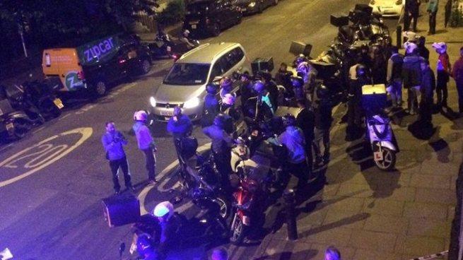 Policía de Londres arresta a adolescentes tras realizar varios ataques con ácido