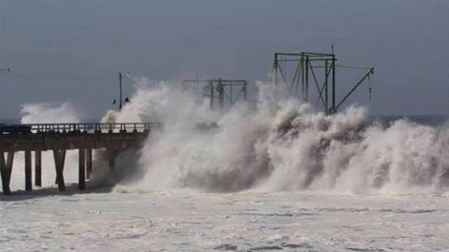 Pronostican olas de hasta 3 metros de altura para este fin de semana